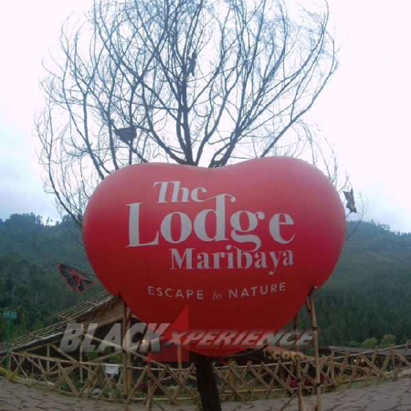 Sensasi Camping Mewah di The Lodge Maribaya