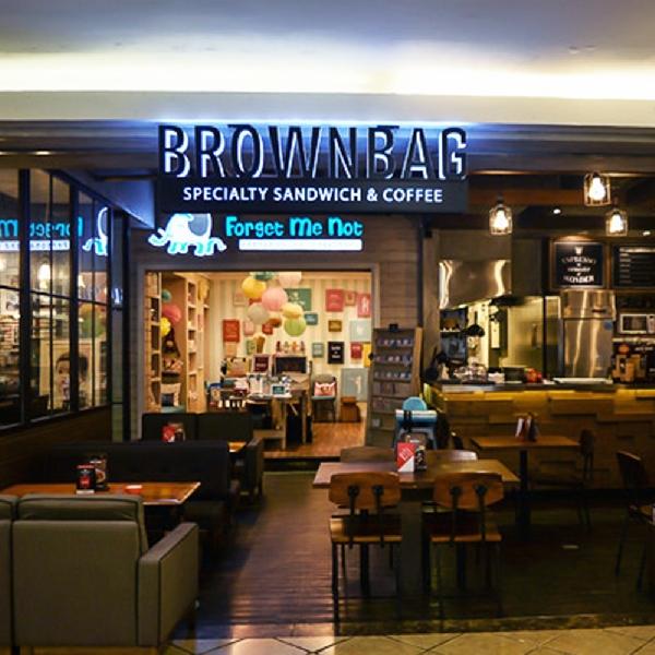 Sajian Sandwich yang Lezat di Brownbag