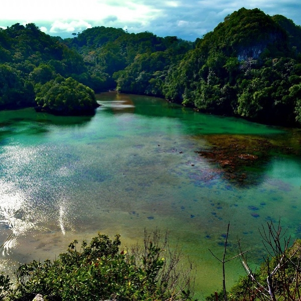 Pulau Sempu, Destinasi Indah Dibalik Karang-karang Tersembunyi