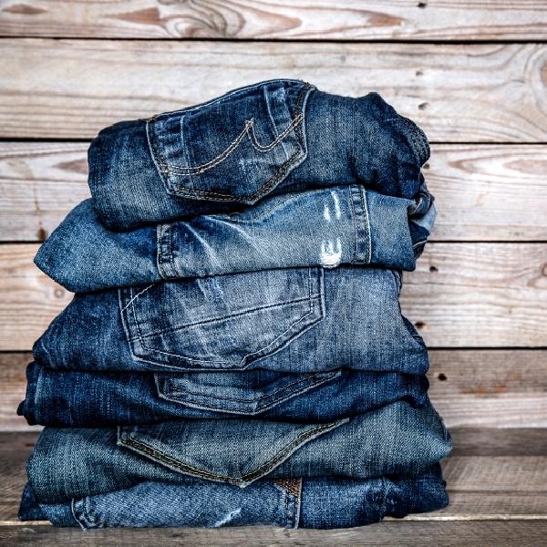 Tampil Trendi, Ini Cara Pilih Celana Jeans Yang Baik