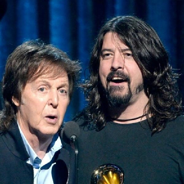 Paul McCartney Jadi Penabuh Drum Di Album Baru Foo Fighters