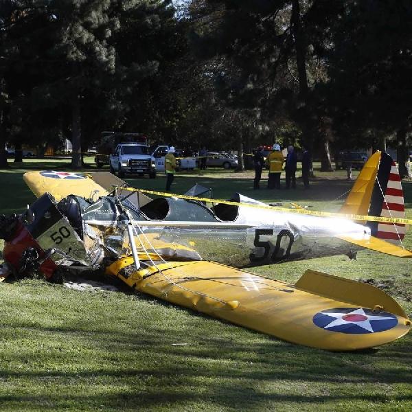 Salah Mendarat, Harrison Ford Hampir Tabrakan Di Udara