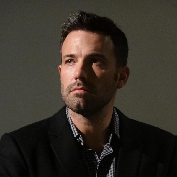 Ben Affleck dan Warner Bros. Kembali Tunda Produksi 'The Batman'