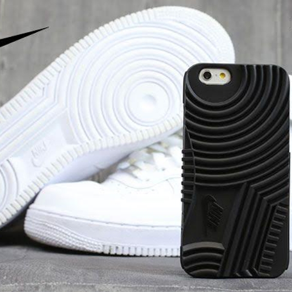 Dongkrak Sport Look dengan Casing iPhone 7 Nike Air Force 1