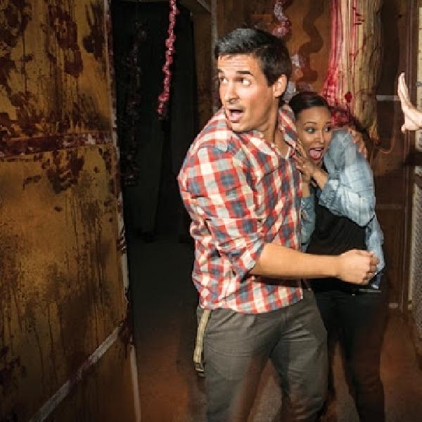 The Walking Dead: Universal Studio Hollywood buka atraksi dimana pengunjung dapat bertemu dengan Zombie