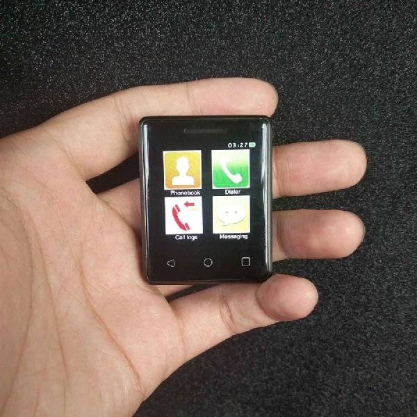 Inilah Smartphone Terkecil di Dunia