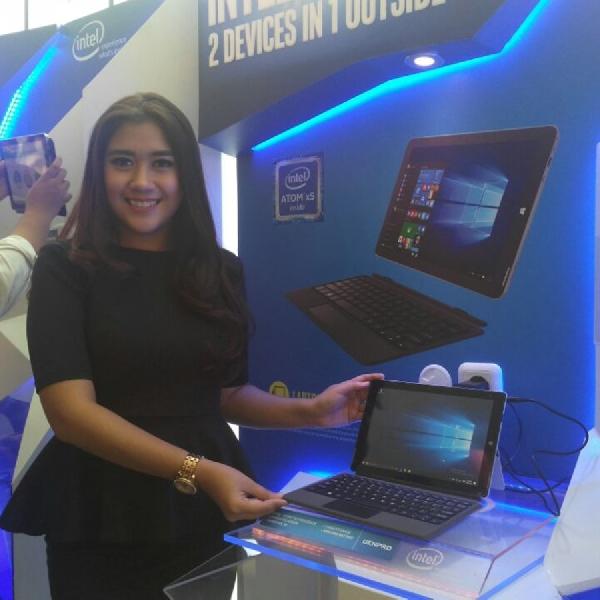Usung Atom X5 dan RAM 2GB, Tablet Ini Bisa Diubah Jadi Laptop