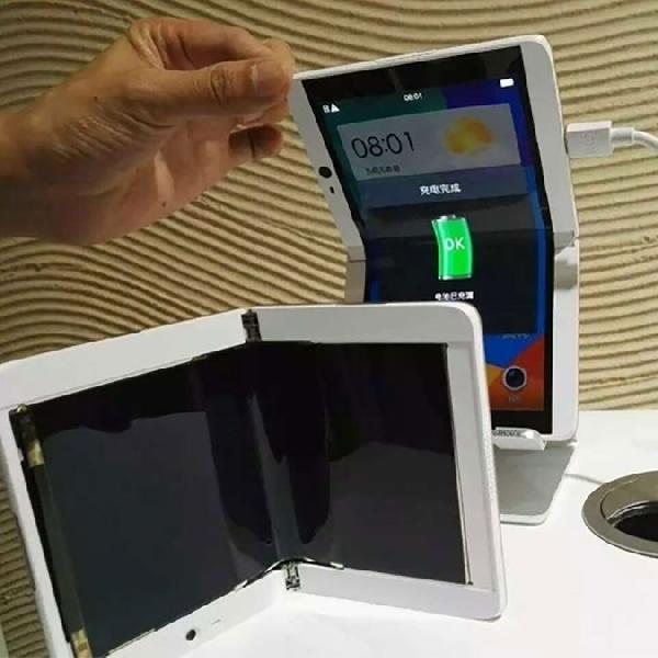 Inilah Wujud Smartphone Layar Tekuk Oppo