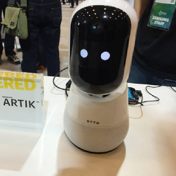 Berukuran Mungil, Robot Ini Dapat Menerima Perintah