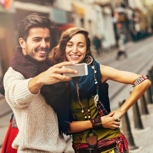 Mau Travelling Selfie Terlihat Keren, Ini Tipsnya