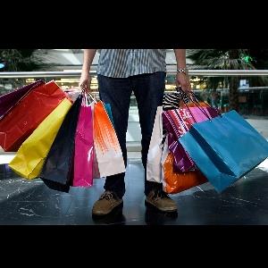 Panduan Singkat Untuk Pria Sebelum Membeli Pakaian