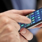 Ini Cara Singkat Bersihkan Layar Smartphone dari Bekas Sidik Jari