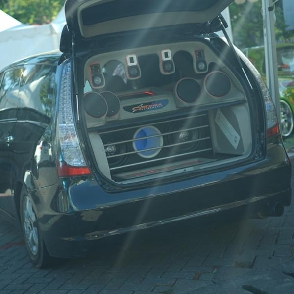 Mitsubishi Grandis Omega Soundwork: dari SQ Berahli SQL