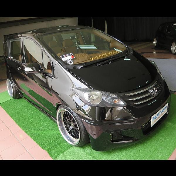 Honda Freed Platinum Raih Gelar King of Black Final BAB 2017 Bandung