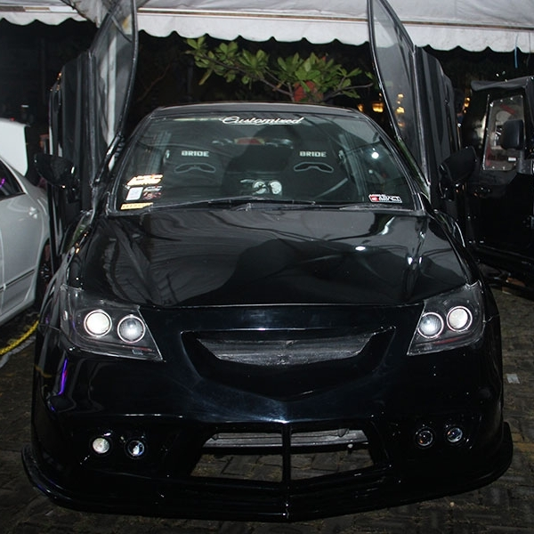 King of Black: Honda Jazz Costumized