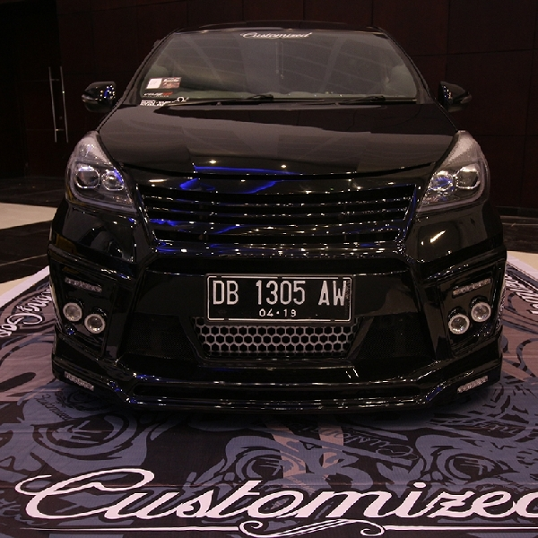 Toyota Veloz Elegant Pegang Gelar King of Black Final BlackAuto Battle 2016