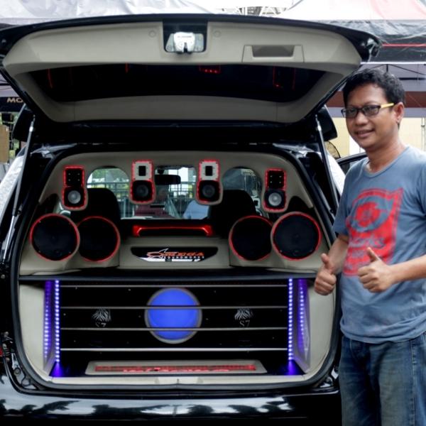 SQL Final BlackAuto Battle 2016 Surabaya Didominasi oleh Omega Soundworks Semarang