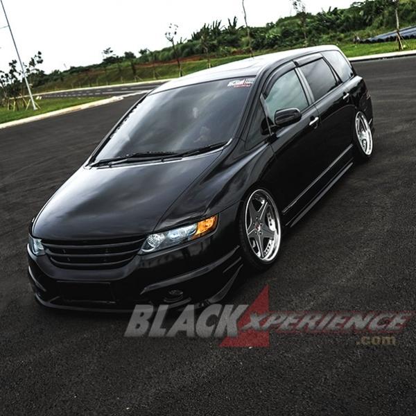 Modifikasi Honda Odyssey 2005: Konsep Elegan yang Terbalut Sound Quality (SQ)
