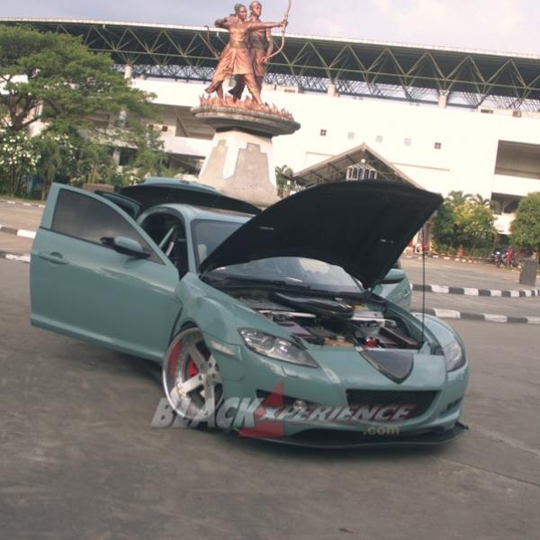 Modifikasi Mazda RX8 Bergaya Street Racing