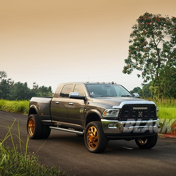 Modifikasi Dodge Ram 4x4 Longhorn: Iam The Big Boss