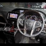 Install Paddle Shift, Setir Toyota Voxy  Jadi Lebih Fungsional