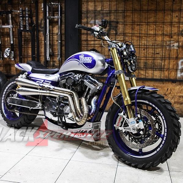 Modifikasi Harley Sportster XL 1200, Simply Retro Scrambler