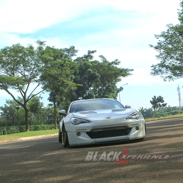 Modifikasi Toyota FT86 Rocket Bunny