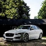 Jaguar XE 20D Diesel-Penantang Serius BMW 328D
