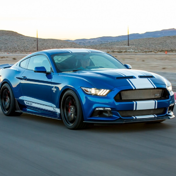 Spesial Edition 50 tahun New Shelby Super Snake Mustang 750 hp