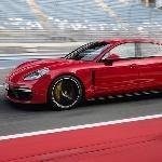 Porsche Luncurkan Dua Model Panamera Terbaru