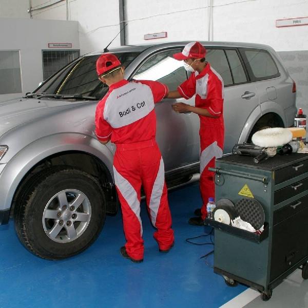 Fasilitas Body Repair dan Paint Shop Standar Mitsubishi Pertama di Indonesia