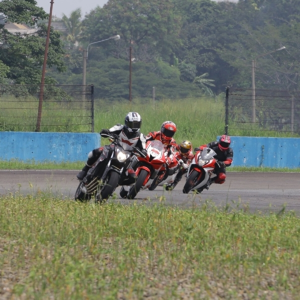 AHM Ajak Konsumen Jajal Motor Balap MotoGP