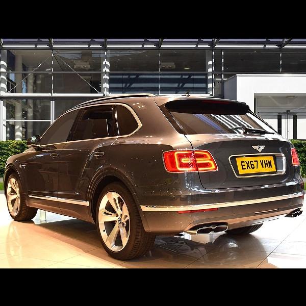 Bentley Datangkan 2 Model Sekaligus di Geneva