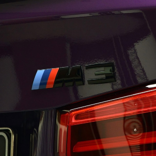 Individual BMW M3 Twilight Purple Competition Pack