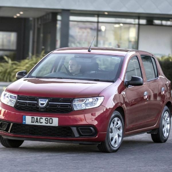 Dacia Sandero Raih Penghargaan Best Small Hatchback