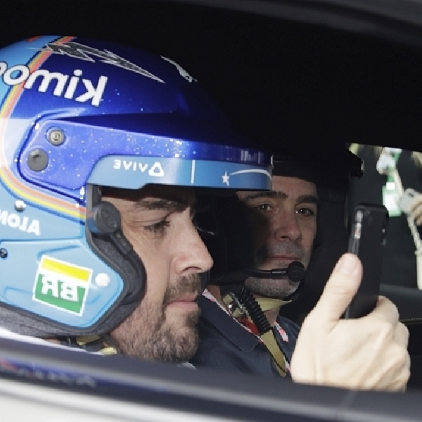 "Belum Putuskan Karir di Dunia Balap, Fernando Alonso: ""Uji Coba NASCAR Hanya Untuk Kesenangan"""