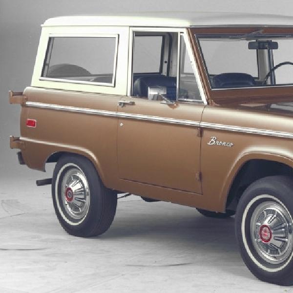 Ford Berniat Ingin Kembangakan Kembali SUV Bronco?