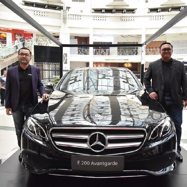 Mercedes-Benz Hadirkan New E 200 dan New GLC 200 AMG Line