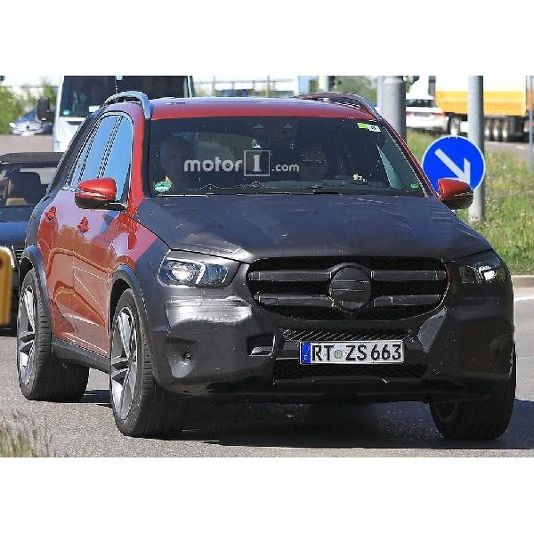 Generasi Terbaru Mercedes-Benz GLE Makin Terbuka