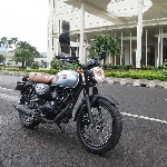 First Ride Kawasaki W175