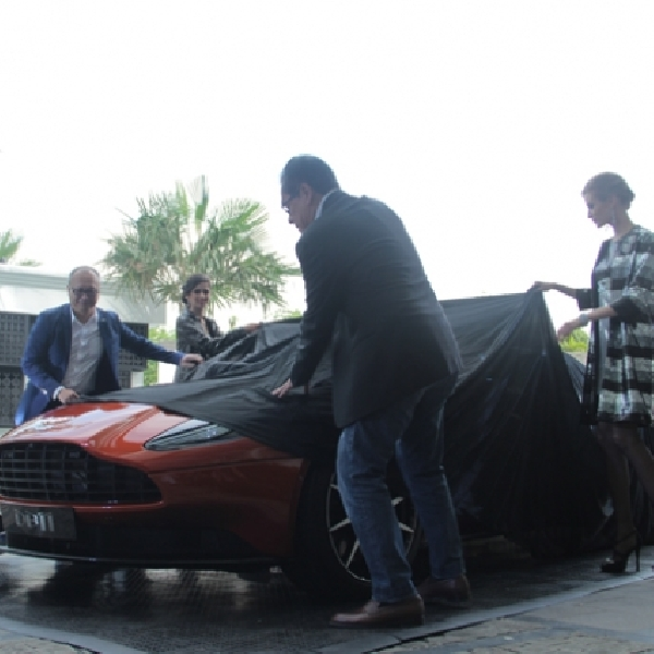 Pre-launching Aston Martin DB11, dibekali Mesin V12 Twin Turbo