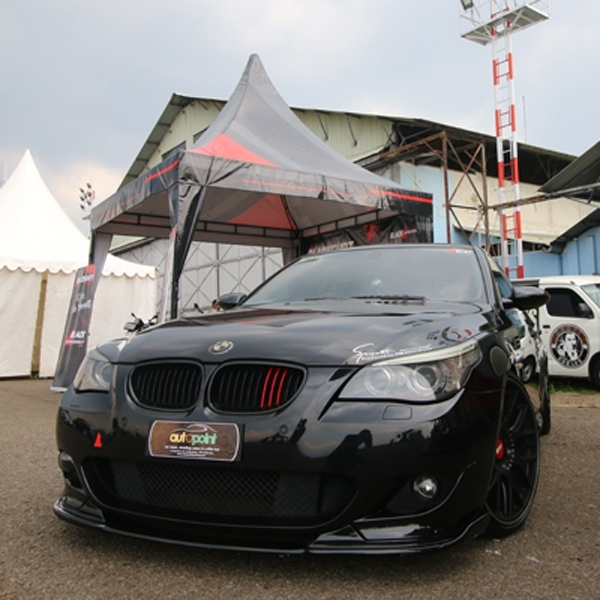Modifikasi BMW Seri 5 Black on Beige