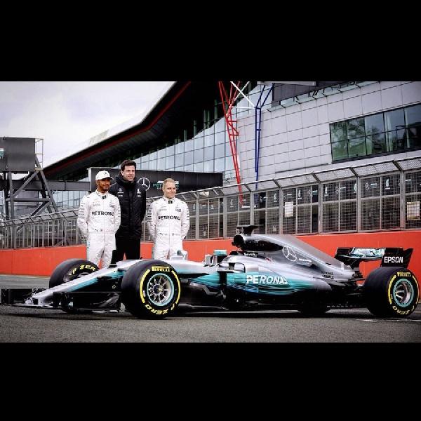 F1: Mercedes Ungkap Mobil Formula 1 Terbarunya 'W08 EQ Power plus'