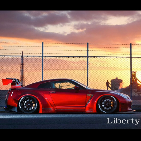 Modifikasi Nissan GT-R: Lebih Semok