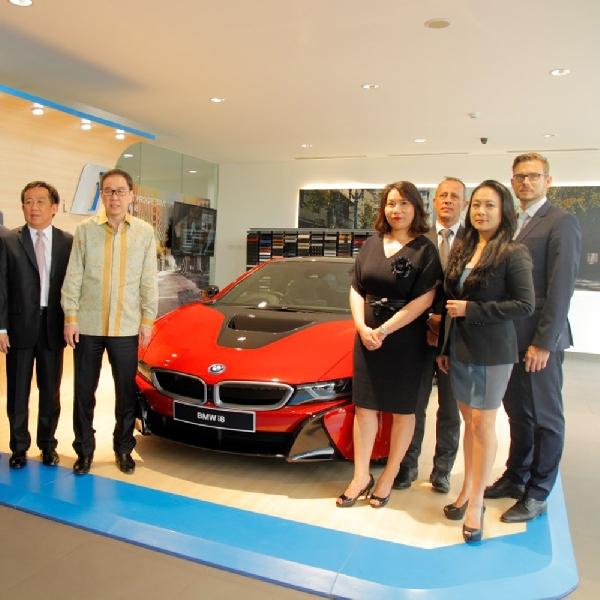 BMW i Dealership Pertama di Indonesia