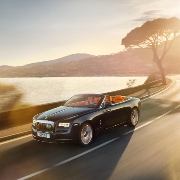 Rolls Royce Dawn Raih Gelar Best of Best