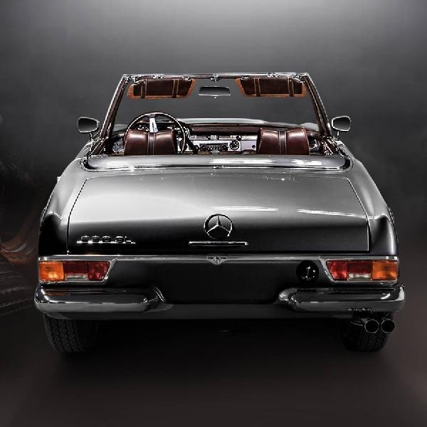 Ini Dia Desain Mercedes 230 SL Ala Carlex Design