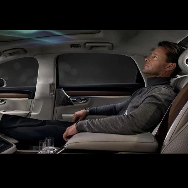 Volvo S90 Ambience Concept Hadirkan Visualisasi Suasana Alam dalam Kabin Mobil