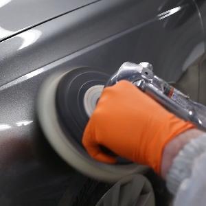 Bedakan Coating dan Wax Untuk Perlindungan Body Mobil