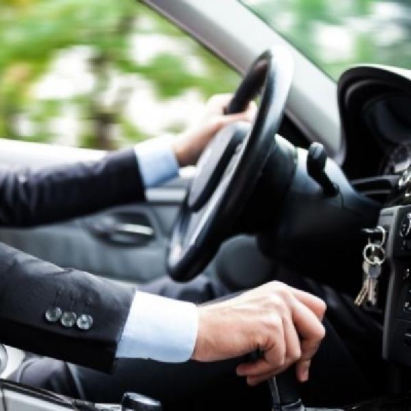 Fokus dan Mengerti, Tips Berkendara Aman di Jalan Raya